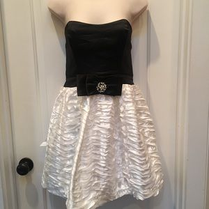Trixxi Black and White Dress with Bow, Size 11